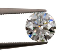 Buyer Beware: Natural Diamonds Could be Fake