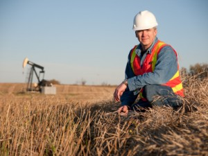 Enbridge Moves Ahead with Light Oil Market Access Program