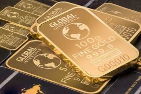 Gold Price Edges Down After Hawkish Fed Minutes