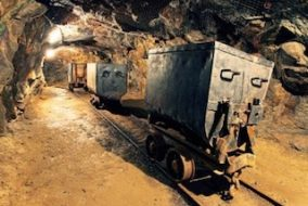 Zimbabwe Calls for More Underground Chrome Mining