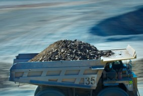 Glencore to Cut Annual Zinc Output by 500,000 Tonnes
